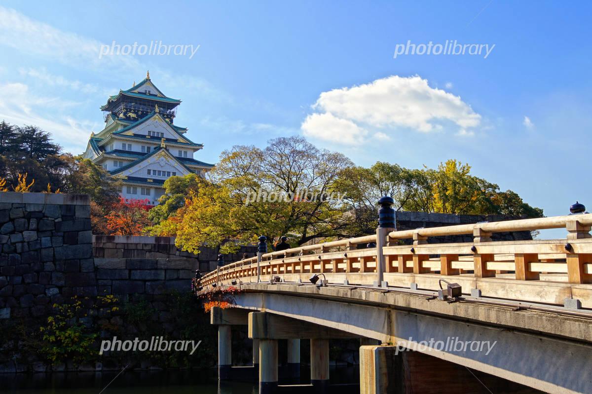 Gokurakubashi and Osaka Castle Photo