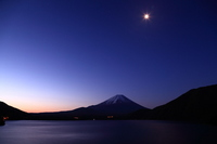 Dawn of Mount Fuji seen from Lake Motosu Stock photo [1991936] Mt.