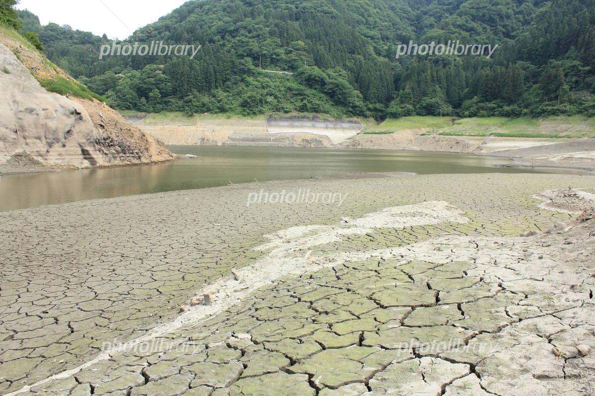 渇水 写真素材 [ 2581300 ] - フォトライブラリー photolibrary