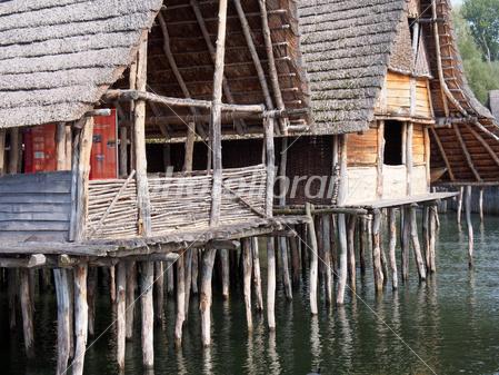 アルプス山脈周辺の先史時代の杭上住居群の画像 p1_34
