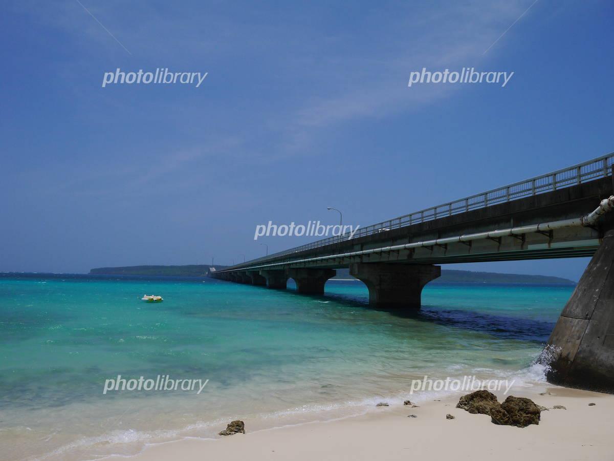 Bridge across the sea Photo