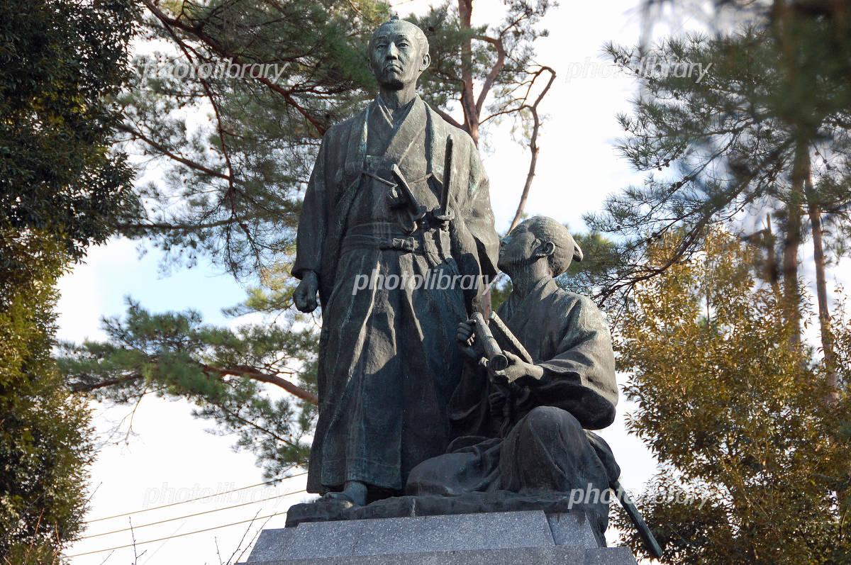 吉田松陰と金子重輔の像(山口県...