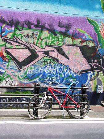自転車の 自転車の写真 : ... 村の自転車 - 写真素材 ID:30952