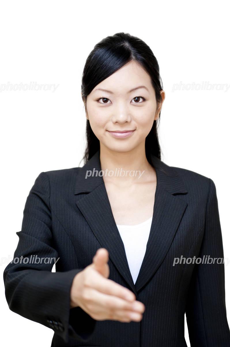 スーツ 女性 握手-写真素材  スーツ 女性 握手 画像ID 1023676  スーツ 女性 握