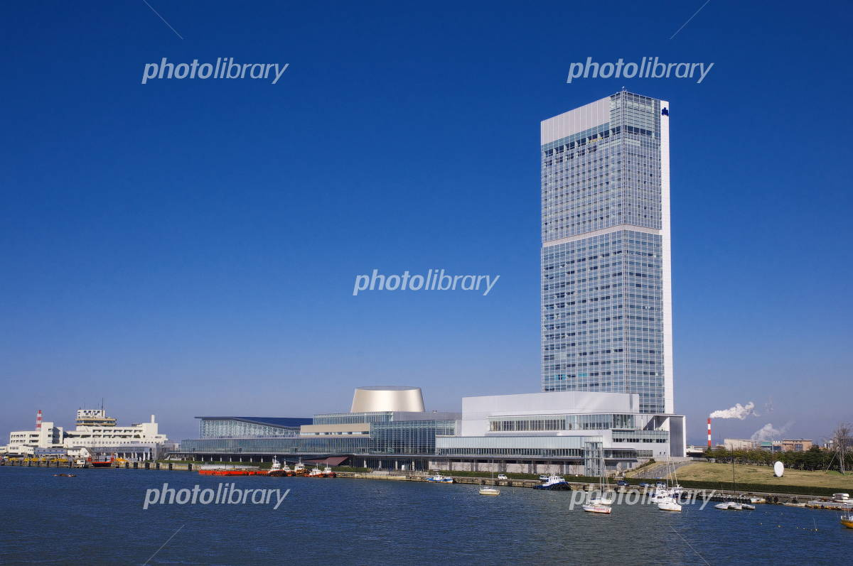 Toki Messe seen from willow Metropolitan Ohashi Photo
