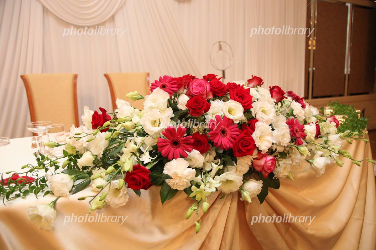 結婚式 メインテーブル飾花 写真素材 3719285 フォトライブ