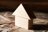 イラスト Image of housing and money(5588311)