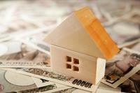 イラスト Image of housing and money(5588346)