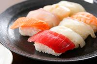 イラスト Assorted sushi(5588406)