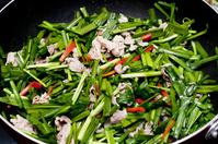 写真 Stir-fry of chive and pork(5588675)