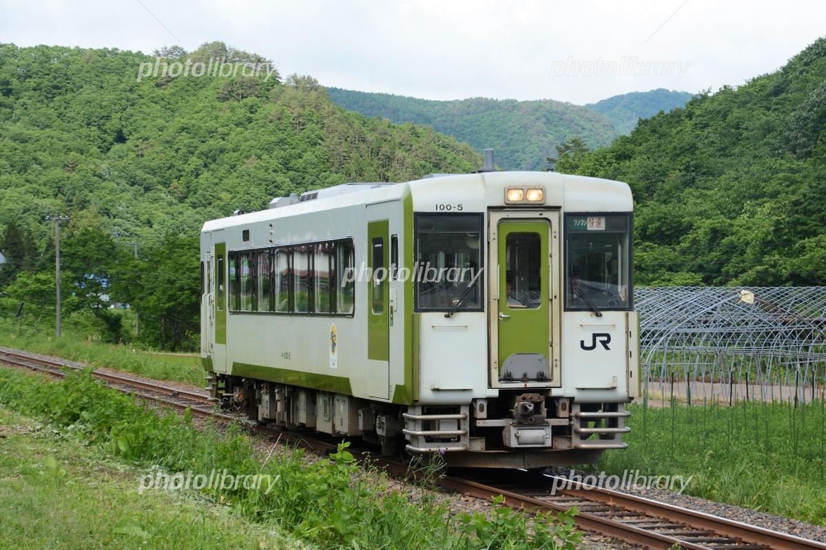 JR北上線 キハ100系 写真素材 [ ...
