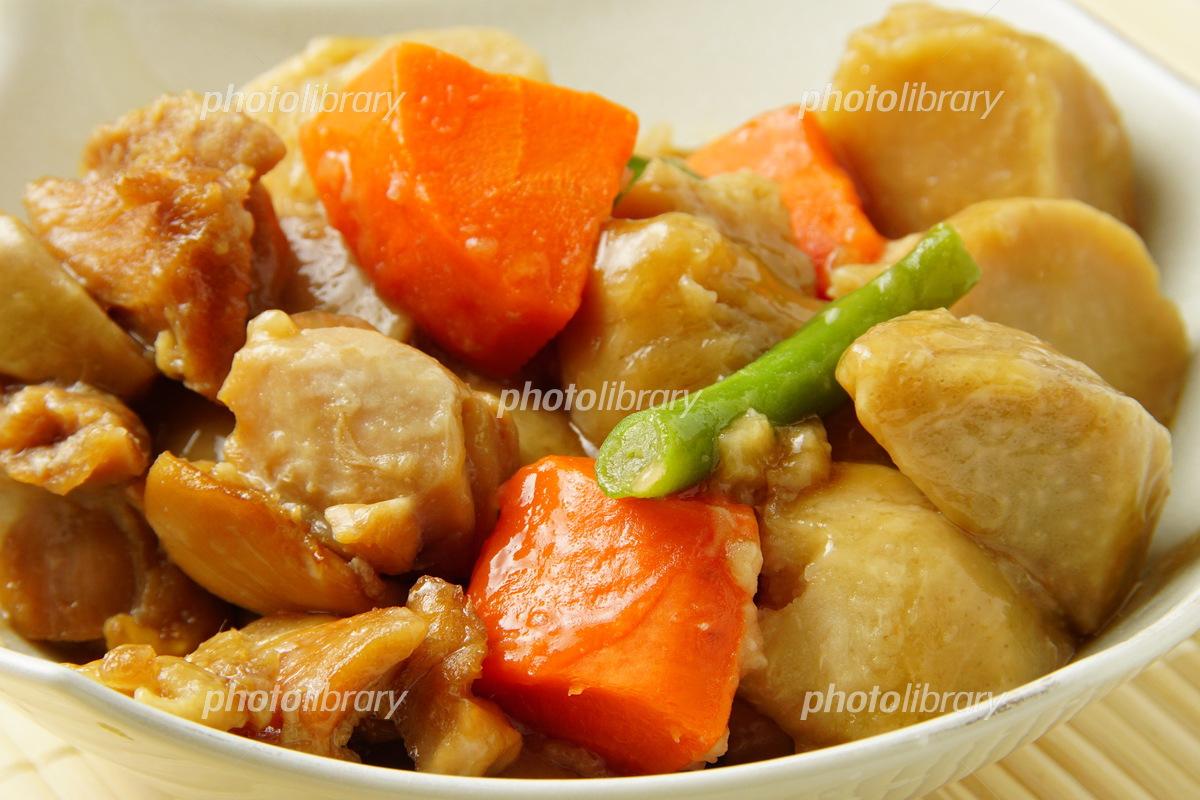 の 煮物 里芋 と 鶏肉
