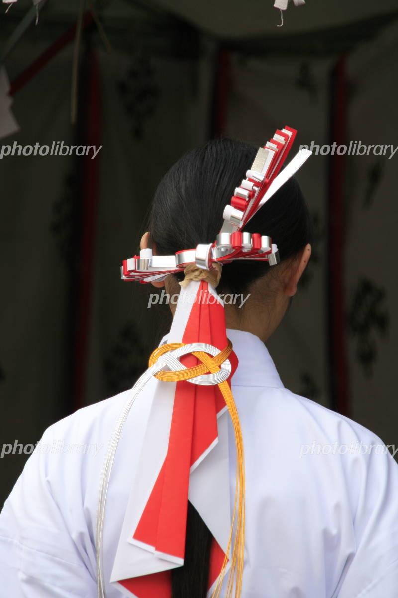21182 >> 巫女さんの髪飾り 写真素材 [ 410056 ] - フォトライブラリー photolibrary