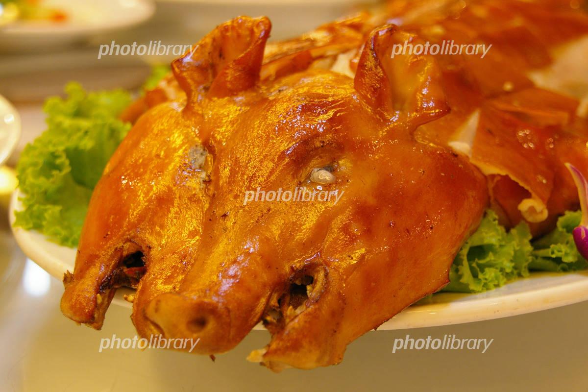 豚の丸焼き 写真素材 1026836 フォトライブラリー Photolibrary