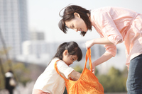 Mother and daughter to check the inside of the eco bag Stock photo [2363335] ECO
