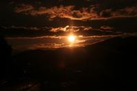 平林貯水地の神秘的な夕日