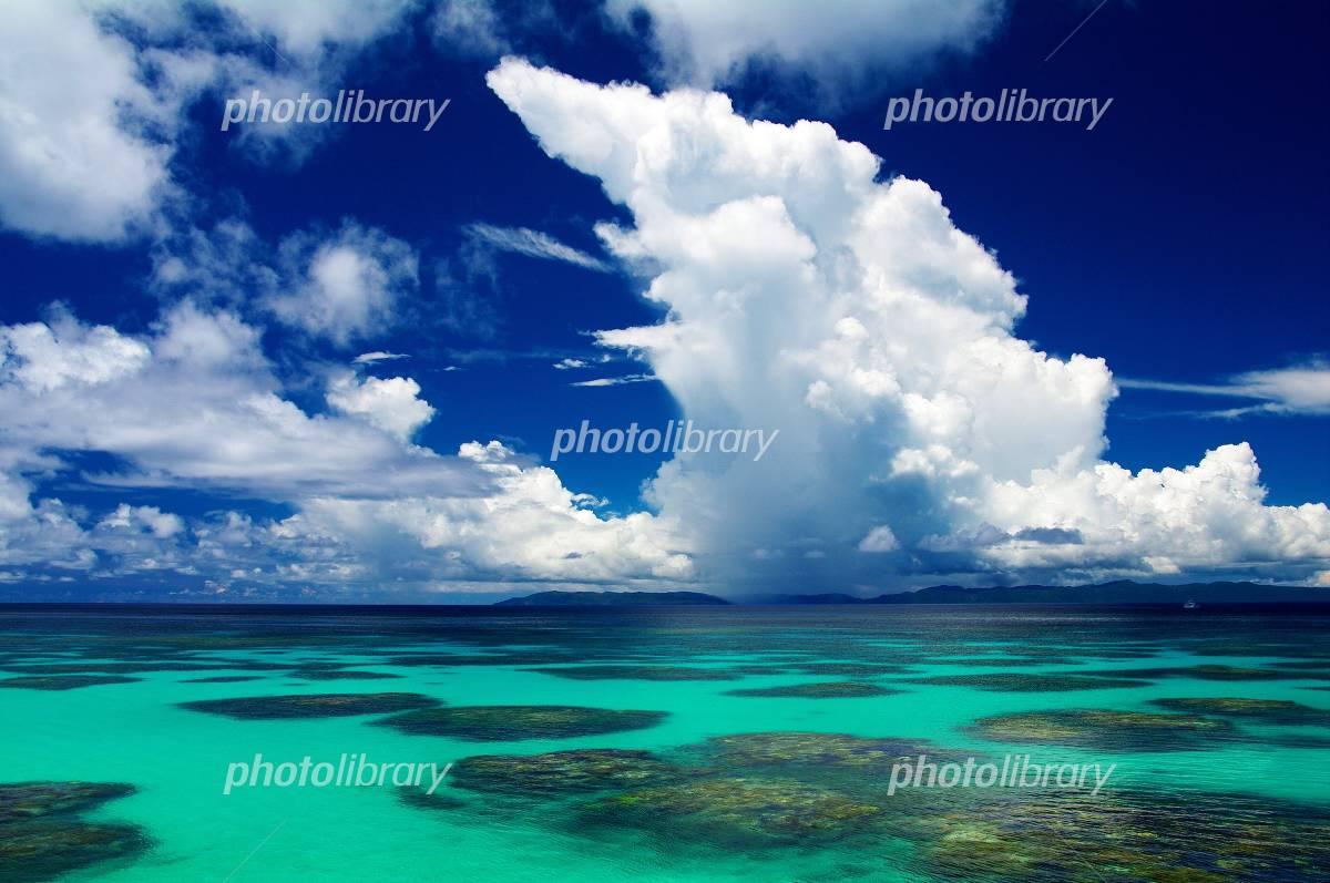 Okinawa  Haterumajima  Sea of a coral reef at midsummer Photo