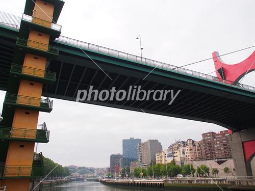 ビルバオ サルベ橋 写真素材 [ 3...