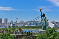 Statue of Liberty and the Rainbow Bridge in Tokyo's Odaiba Stock photo [3853476] Rainbow