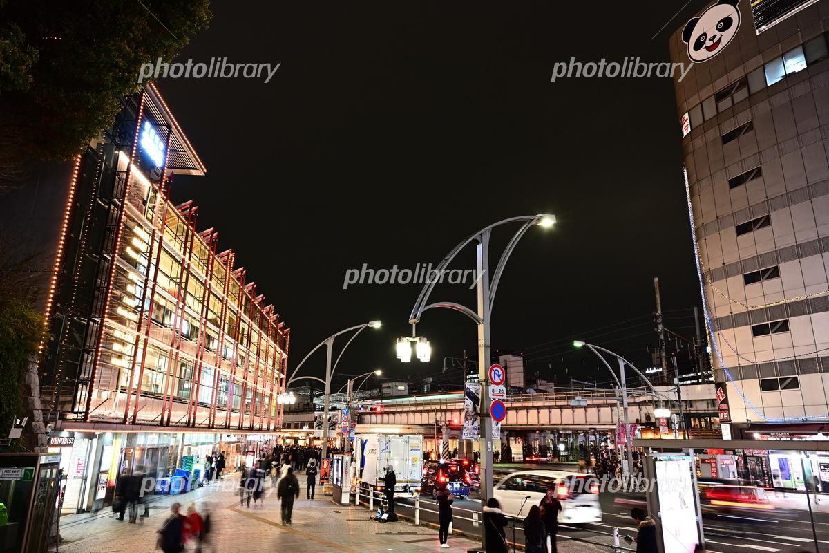 上野駅前の街並み 夜景 写真素材 フォトライブラリー Photolibrary